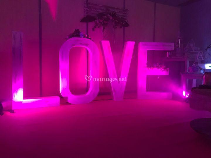 LOVE en location
