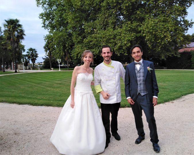 Le chef et les mariés