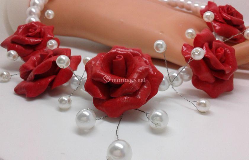 Joli collier avec des roses