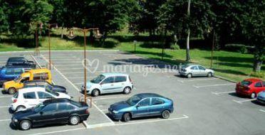 Grand parking privé