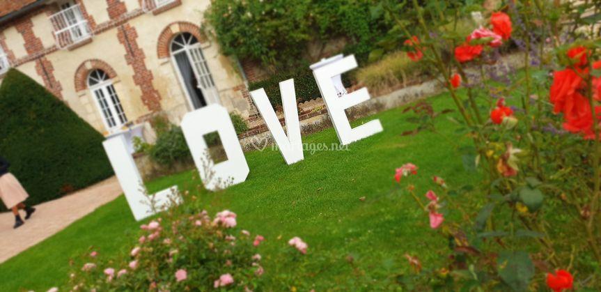 LOVE hauteur 1m