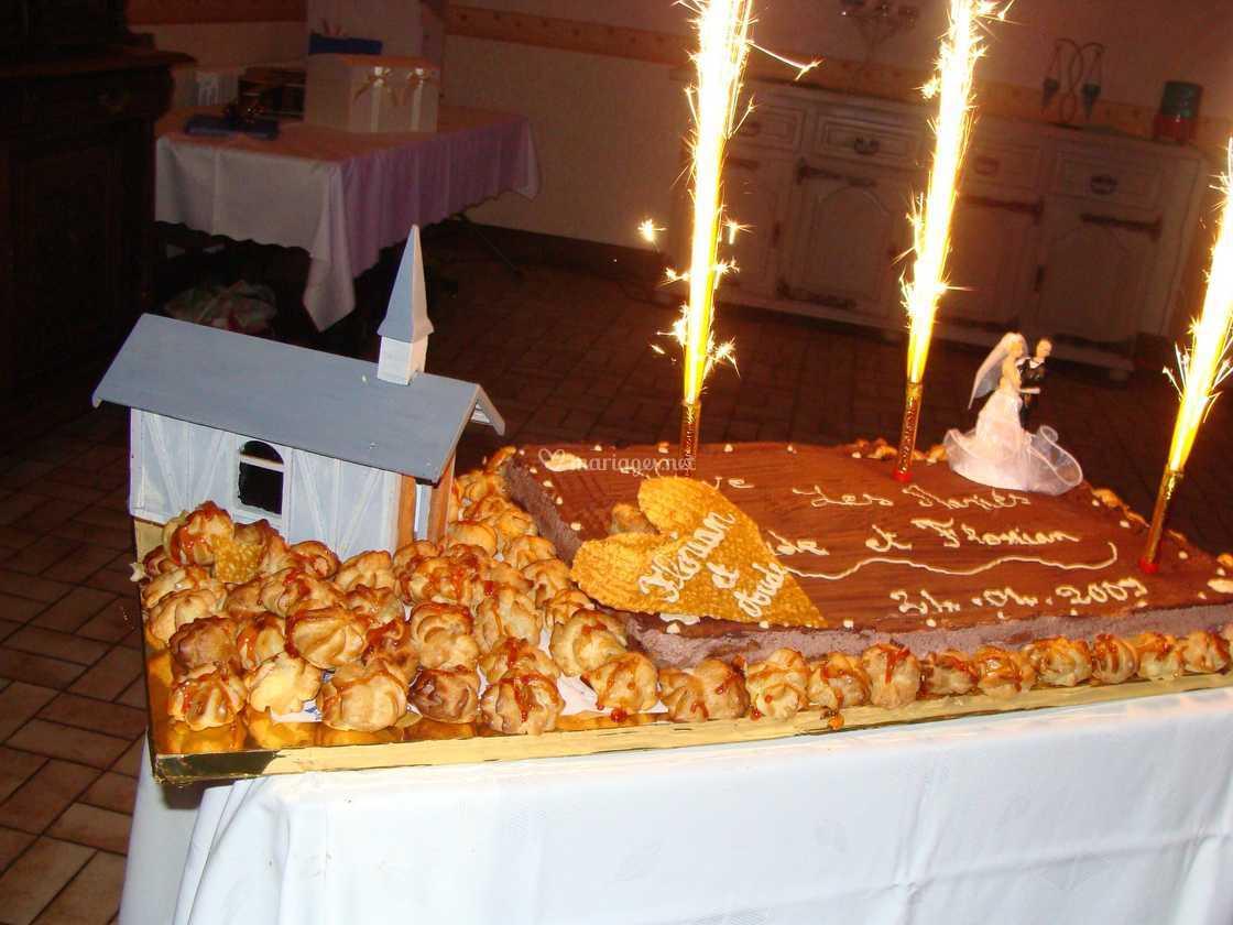 Gâteau Et Choux Maison Mariage De Restaurant La Forestière