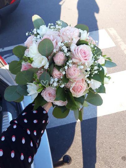 Un joli bouquet pour la mariée