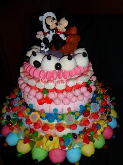 Gros gâteau XL avec figurine