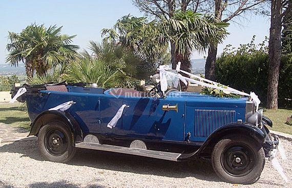 Torpédo Berliet bleu