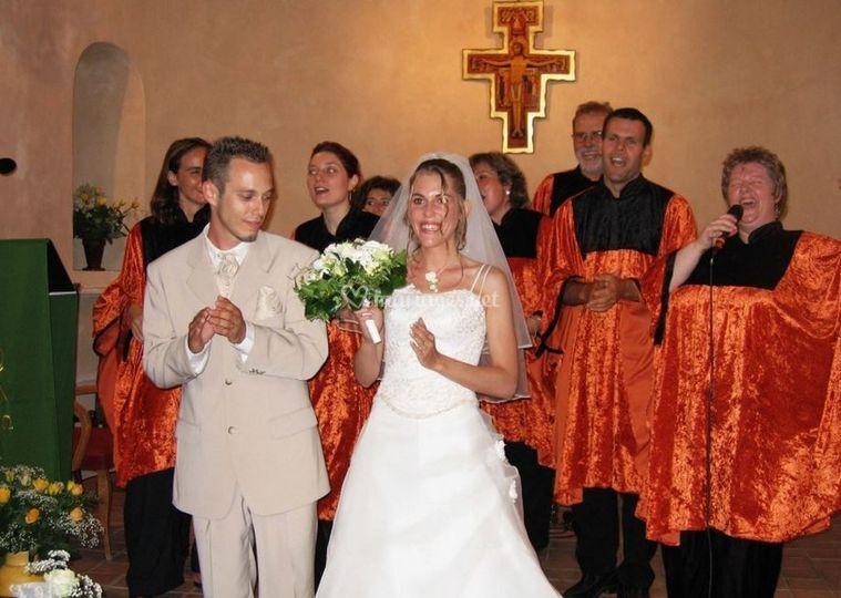 Les mariés et le groupe