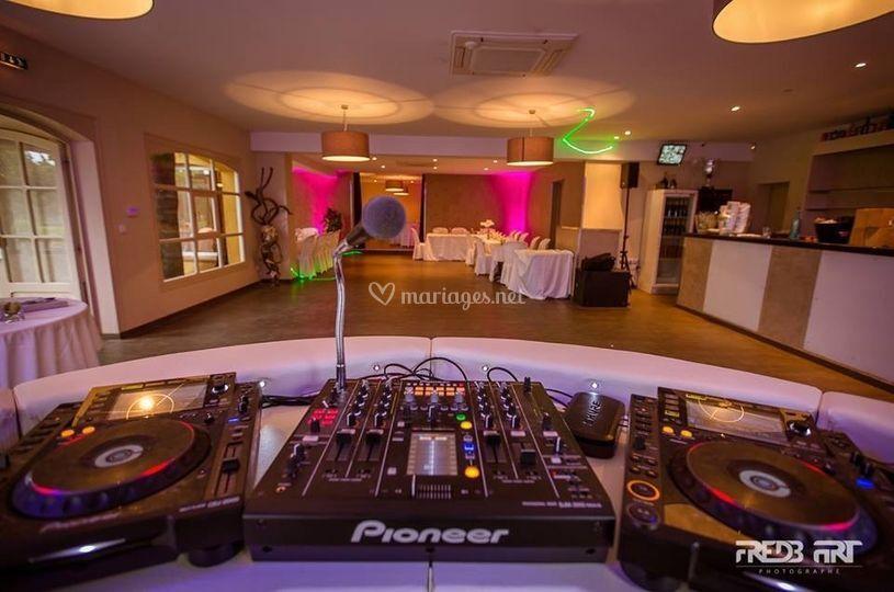 Piste de dance et DJ