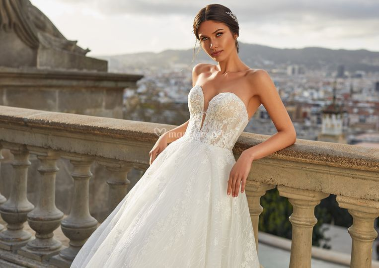 Sue, Pronovias Privée