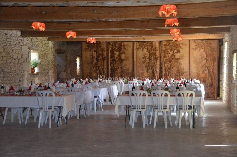 Salle réduite à 140 m²