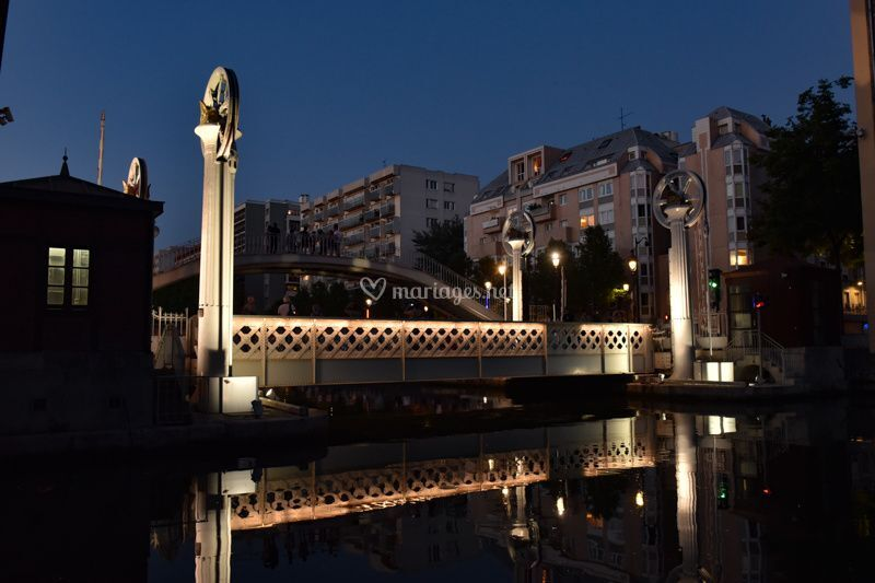 Vue canal nuit