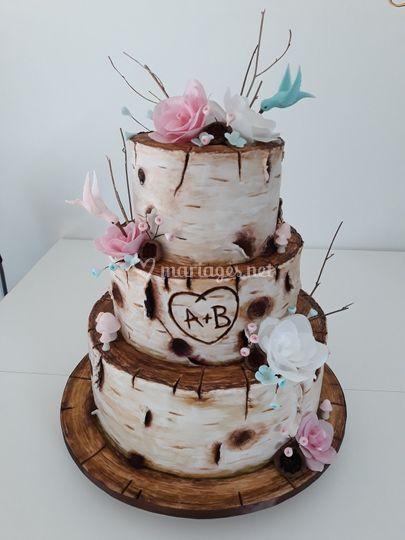 Wedding cake bois et papier