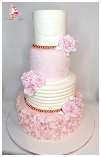 Wedding cake en crème rose