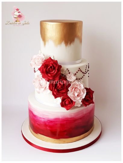 Wedding cake bordeaux et or