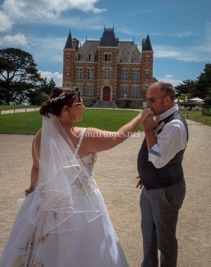 Les mariés au château Nessay