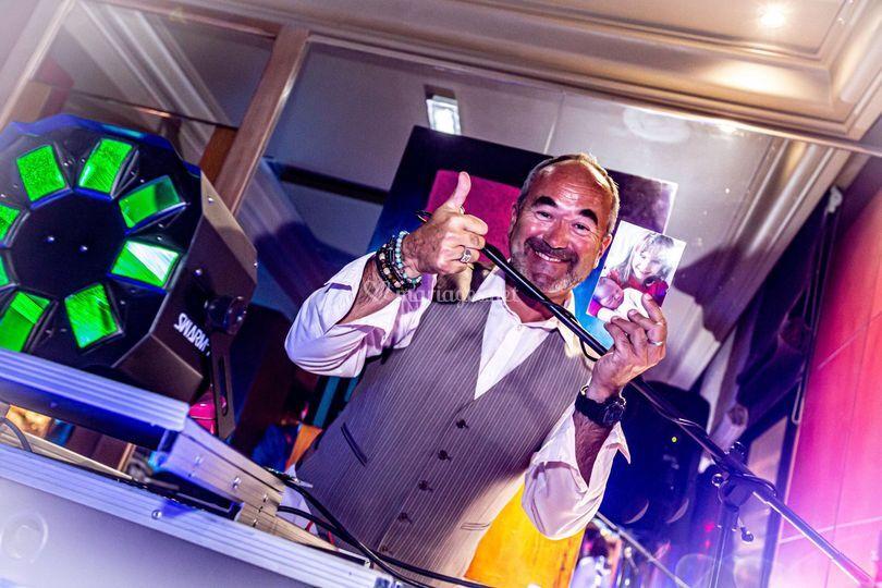 Happy DJ !