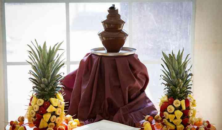 Fruits et fontaine de chocolat