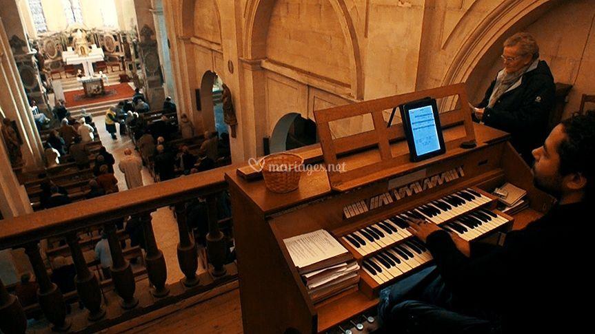 Vic à l'orgue