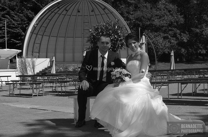 Photo des jeunes mariés N/B