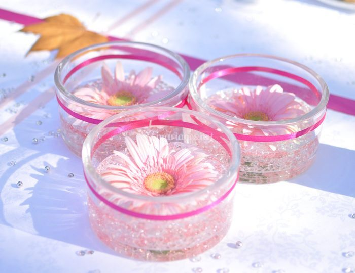 Centre de table en fleurs roses