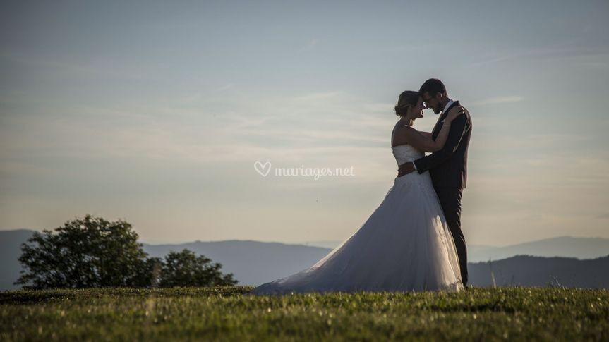 Jeu de lumière sur les mariés