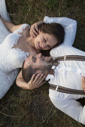 Photo de couple champêtre