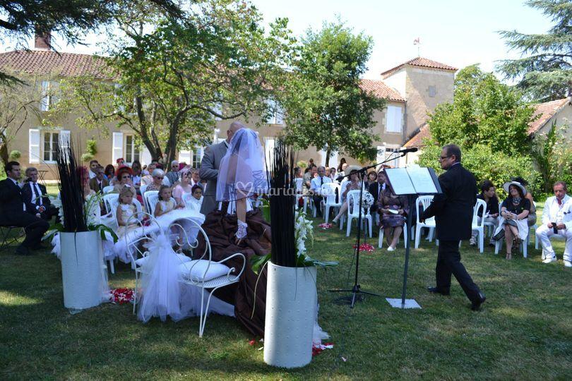 Ceremonie dans le parc