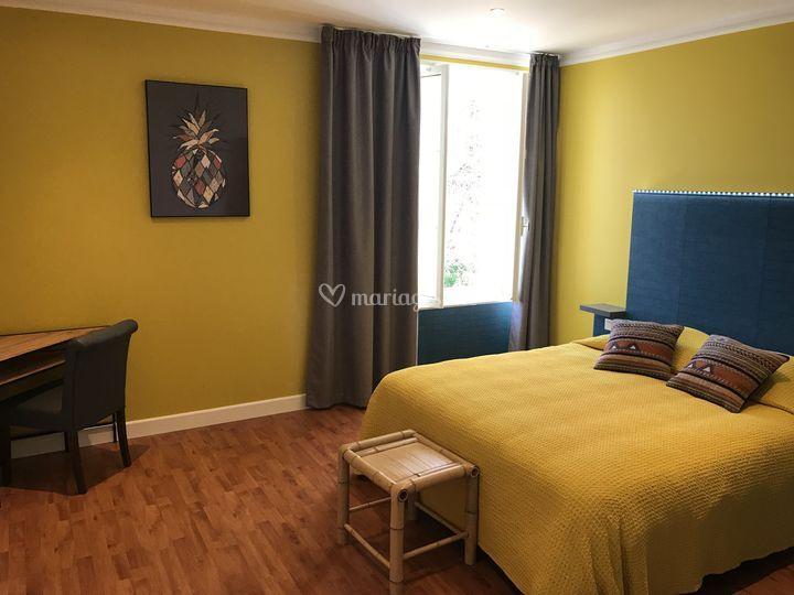 domaine de l 39 argenti re. Black Bedroom Furniture Sets. Home Design Ideas