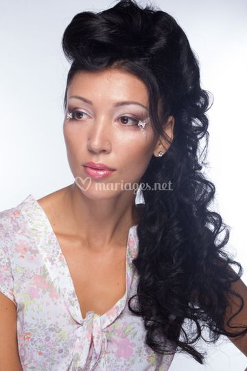 Maquillage oriental + boucles