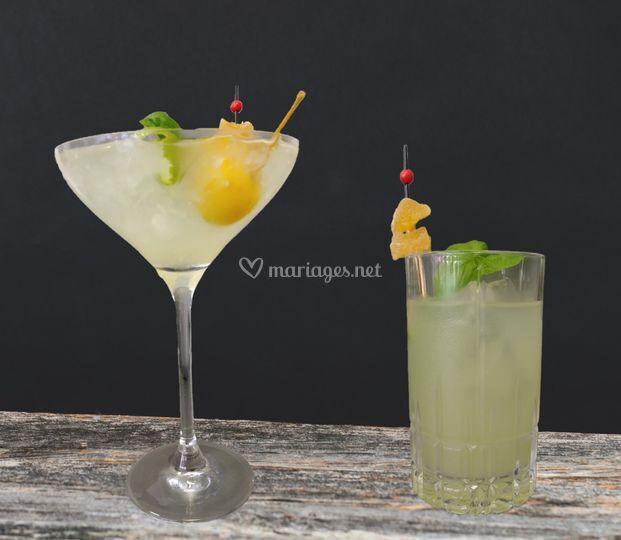 Verres de leur cocktail