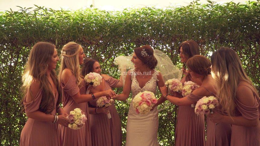 La mariée et les filles