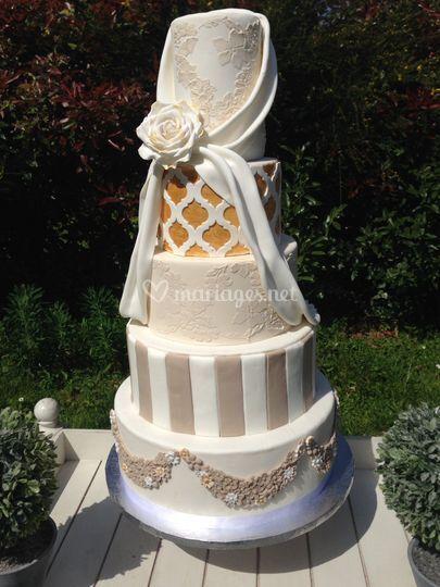 Wedding cake beige/blanc/gold