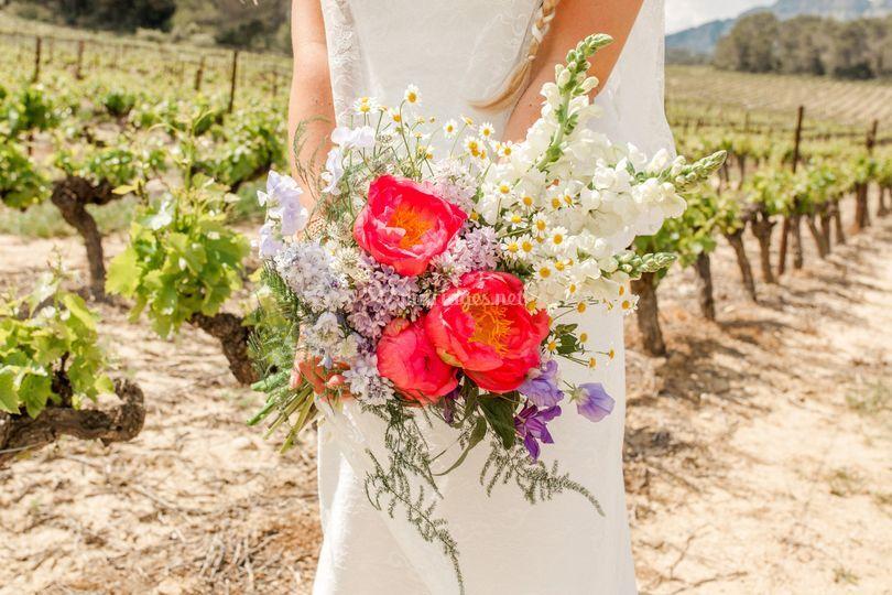 Bouquet corail et champêtre
