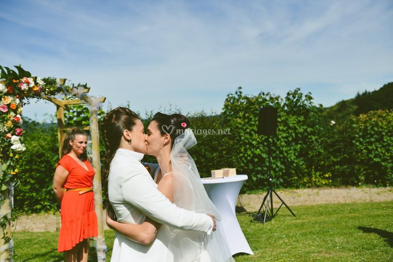 2 mariées satisfaites