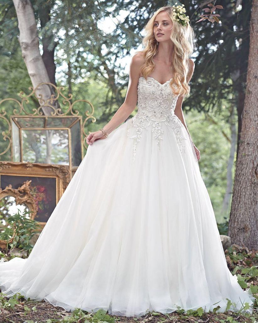 14 robes pour les mariées enceintes 11