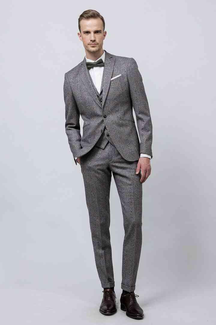Classiques et élégants  35 costumes de mariage gris