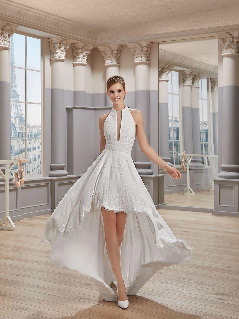 da70ac805a2 27 robes de mariée longues derrière et courtes devant