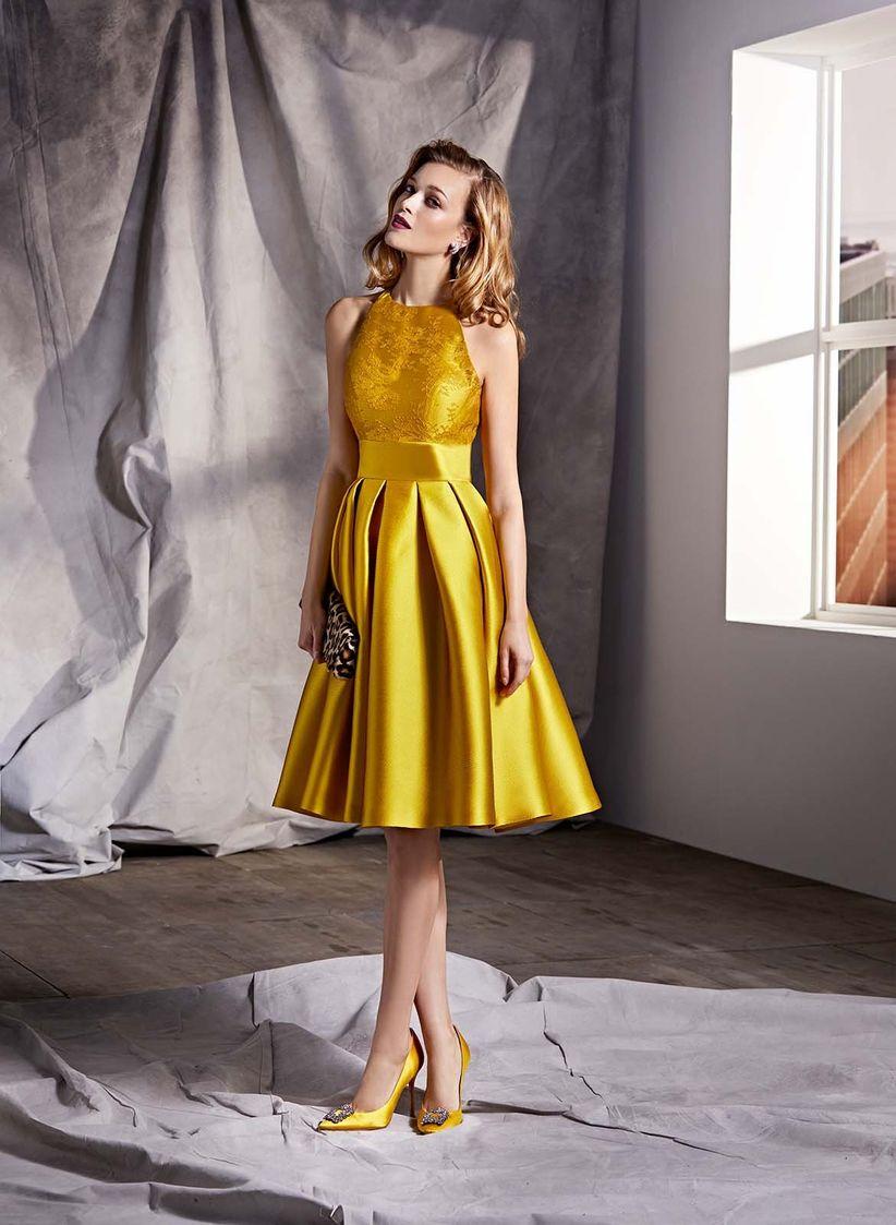 2454350890f Robes de soirée jaunes   45 tenues pour rayonner à tous vos cocktails