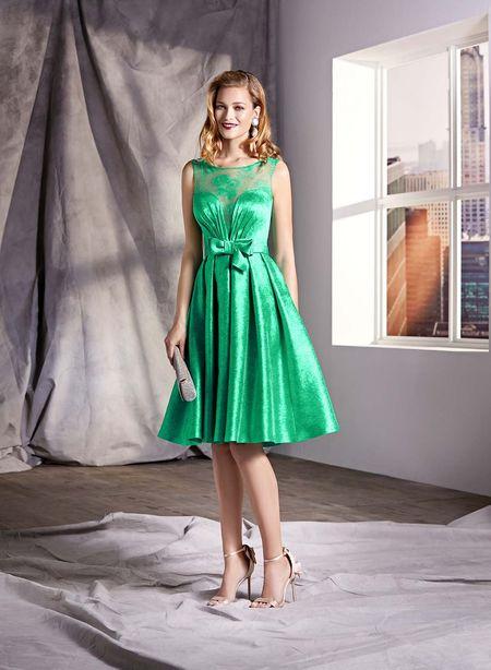 40 robes de cocktail vertes : la tenue gagnante pour les