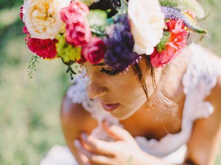 25 coiffures de mariée avec fleurs XXL