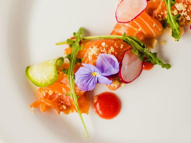 Gastronomie florale pour votre mariage : des fleurs jusque dans vos assiettes !