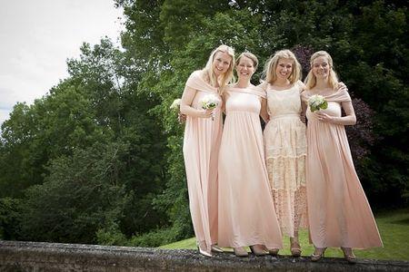 Votre mariage en couleur les robes de vos demoiselles d for Couleurs de robe de demoiselle d honneur de mariage de printemps
