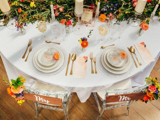 13 décorations de tables de mariage hautes en couleur