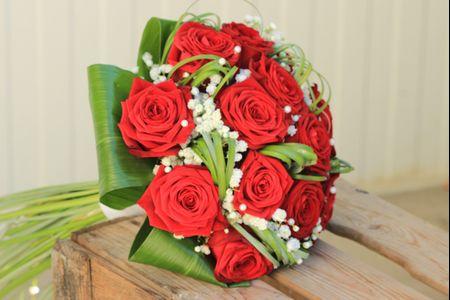 Bouquet de mariée rond : 35 modèles pour votre inspiration