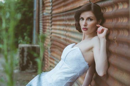 30 coiffures de mariée rétro que vous adorerez !