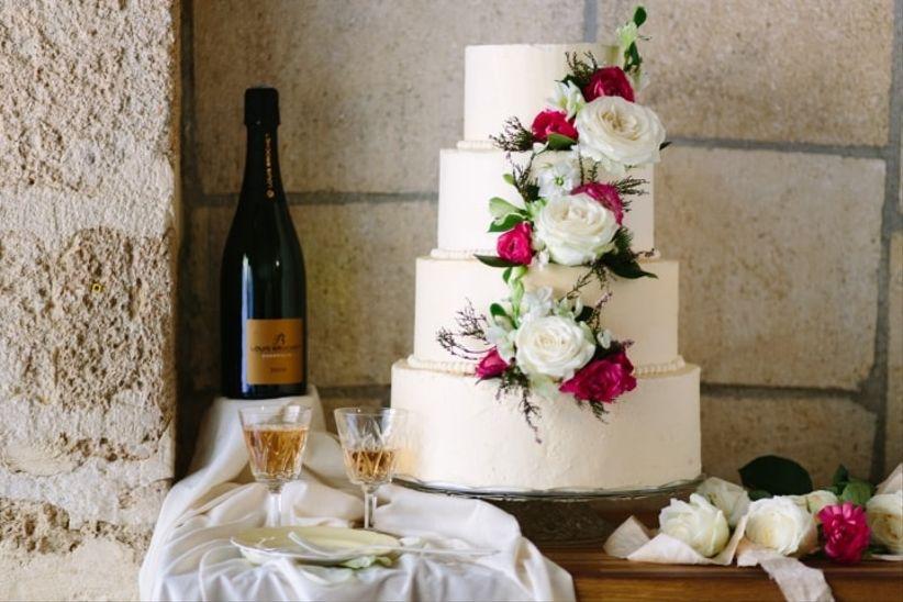 wedding cakes fleuris 35 desserts champ tres souhait. Black Bedroom Furniture Sets. Home Design Ideas