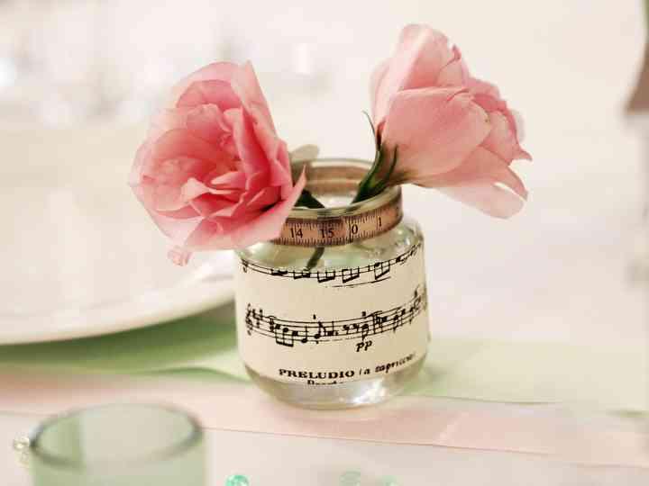 25 idées de décorations pour un mariage sur le thème de la musique