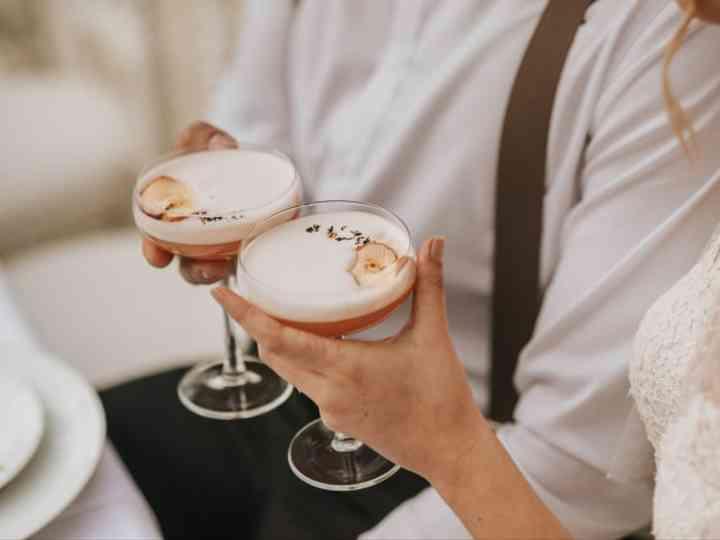 5 façons surprenantes d'aromatiser vos cocktails du jour J