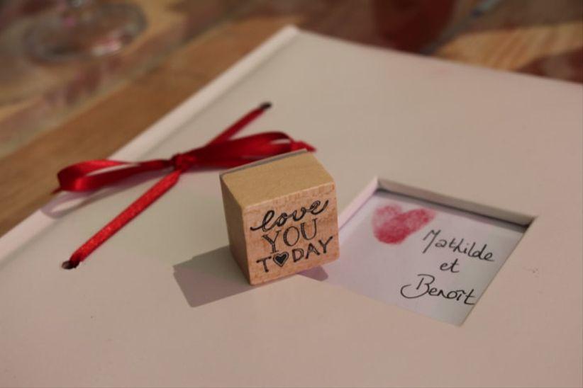 8 cadeaux de fian ailles pour le futur mari. Black Bedroom Furniture Sets. Home Design Ideas
