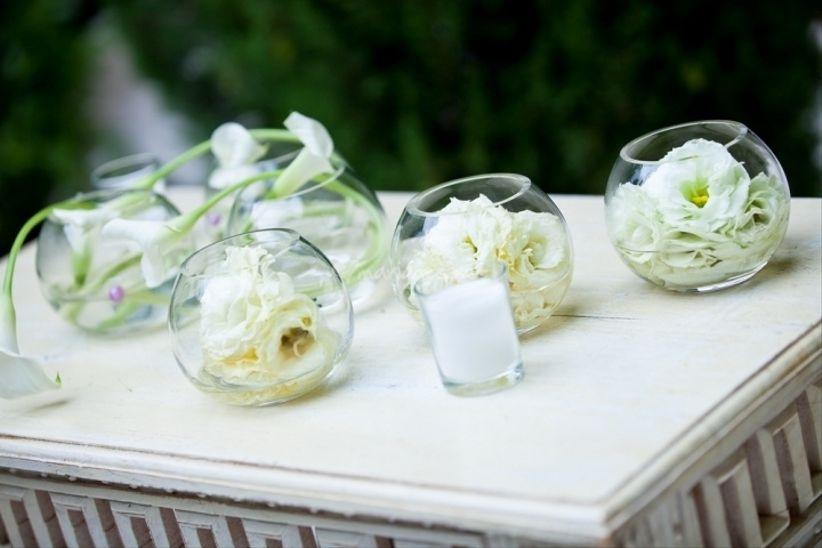 D coration de table avec des fleurs - Decoration de fleurs ...