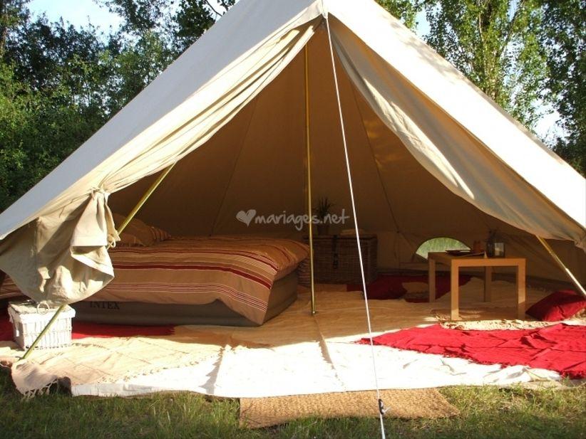 louer des tentes pour votre mariage. Black Bedroom Furniture Sets. Home Design Ideas